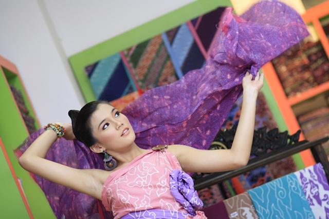 Grosir Batik Trusmi yang menjual batik khas Cirebon (sumber)