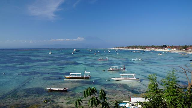 Nusa Lembongan seakan seperti pulau yang belum pernah terjamah.