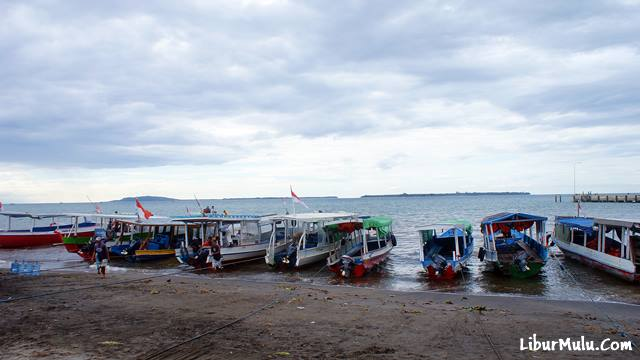 Public Boat di Pelabuhan Bangsal yang siap menyeberangkan kalian ke Gili Trawangan.