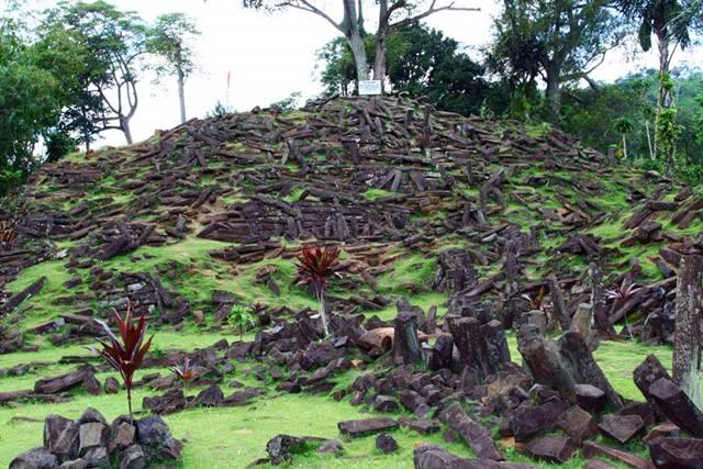 Cianjur Bisa Menghibur Dengan Situs Megalitik Terkeren Di Asia Tenggara, Situs Gunung Padang!