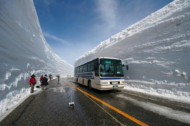 Waktu terbaik mengunjungi Gunung Tateyama adalah ketika musim semi.