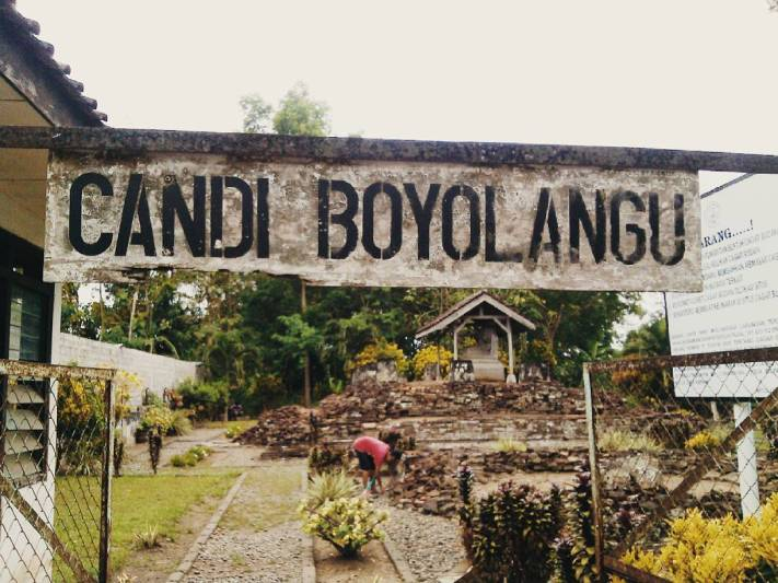 Candi Boyolangu, tempat wisata bersejarah di Tulungagung by @deviayu_wulandari