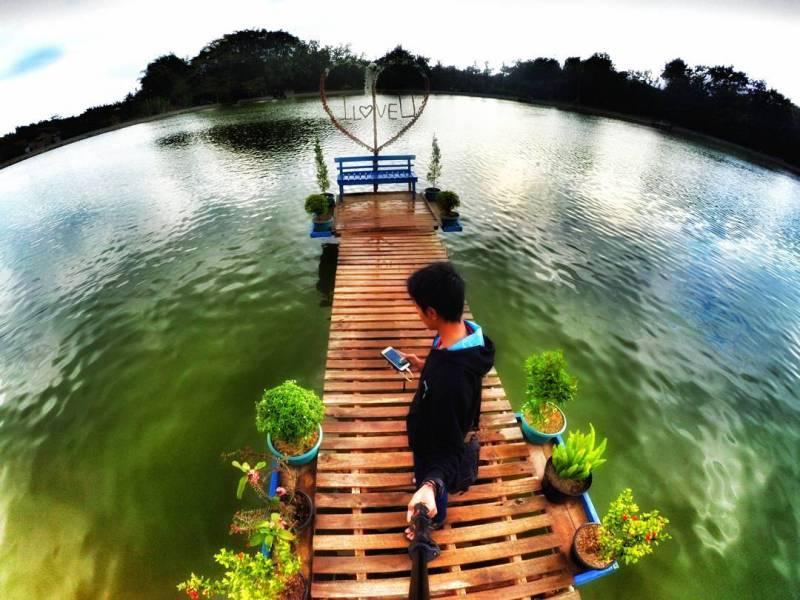 Cari objek wisata Tulungagung yang instagramable ke Telaga Ngambal saja! by @goemargoe