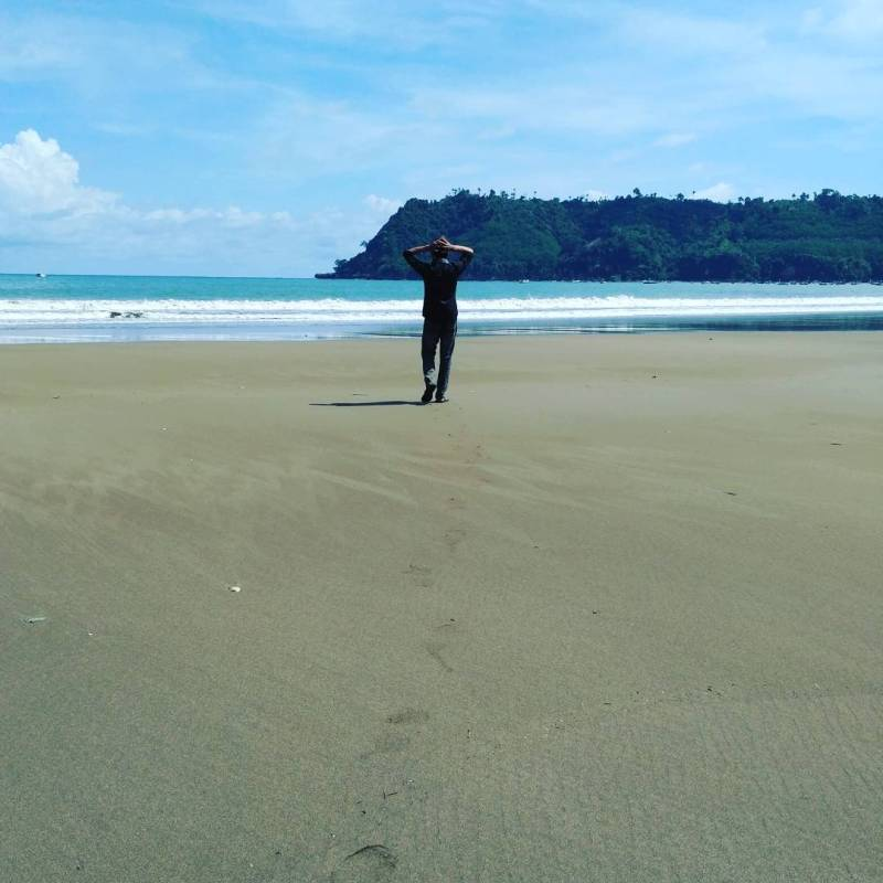 Nikmati Segarnya Udara Pantai Sine Di Kalidawir Tulungagung by @thomas.habibi