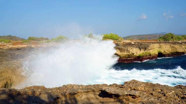 The Devil's Tears di Nusa Lembongan.