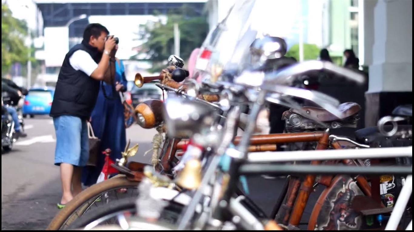 Travel Video Mamat On The Street - Eps Cewek Cantik Bandung