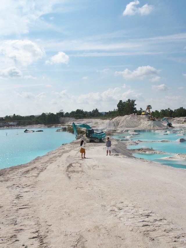 Meskipun belum resmi sebagai tempat wisata, danau ini selalu dikunjungi turis