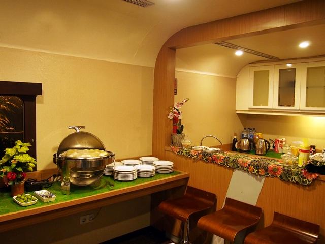 Mini Bar yang sudah termasuk makanan & minuman