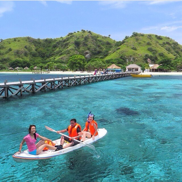 Pantai Pulau Kanawa, Flores