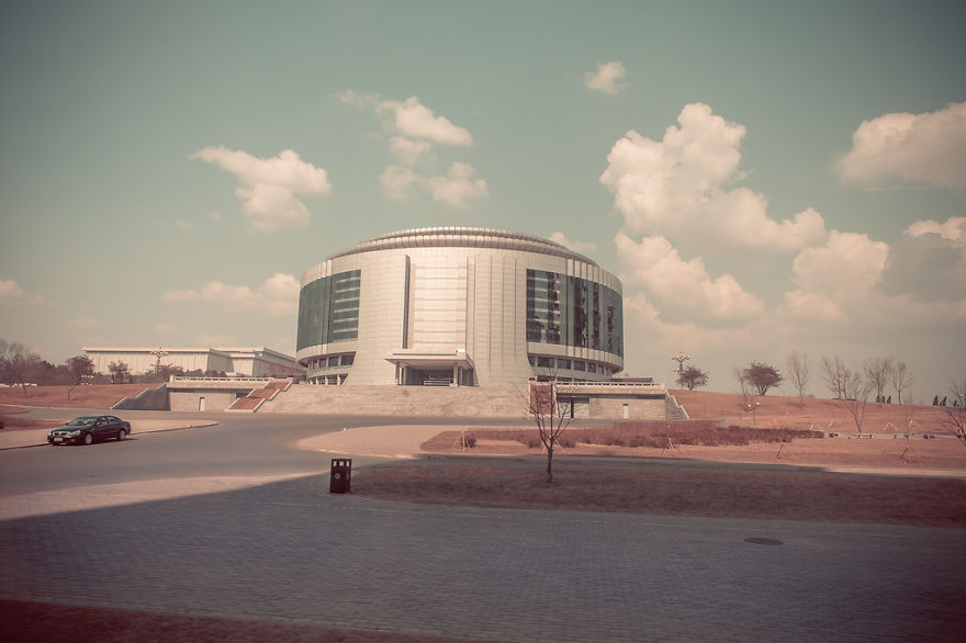 Sebuah Bangunan modern di Korea Utara