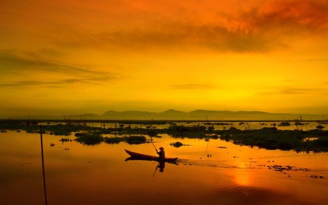 Golden hours di Rawa Pening, Ambarawa, Jawa Tengah (sumber)