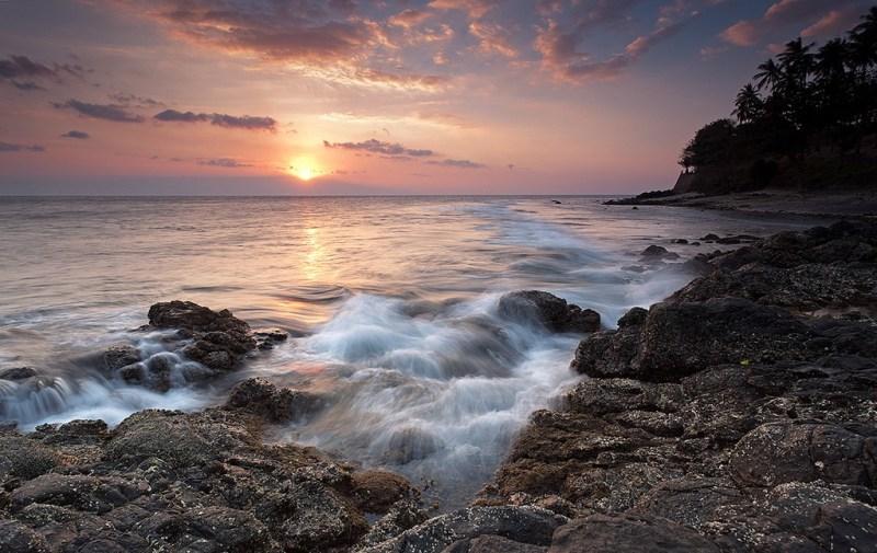 Senja di Pantai Senggigi