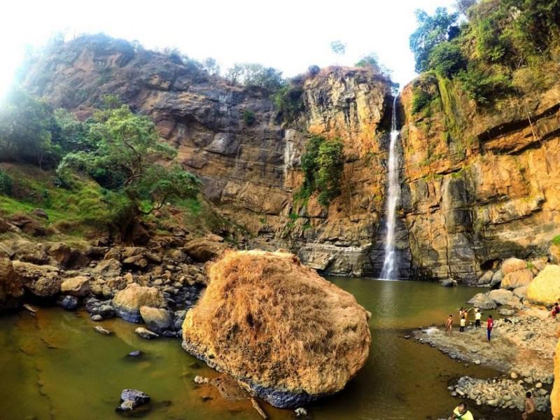 Air terjun Cimarinjung salah satu destinasi andalan di Geopark Ciletuh Sukabumi