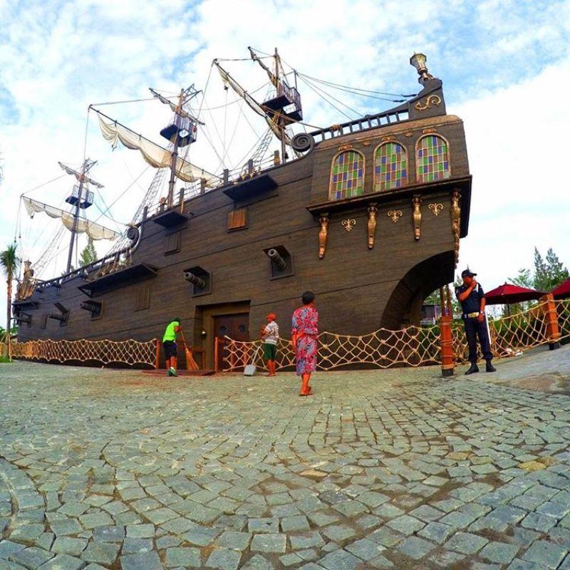 Konsep Bajak Laut diusung oleh Jogja Bay