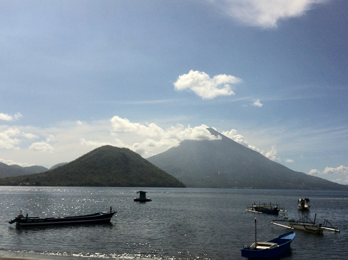 Pulau Tidore dan Maitara seperti di uang 1000