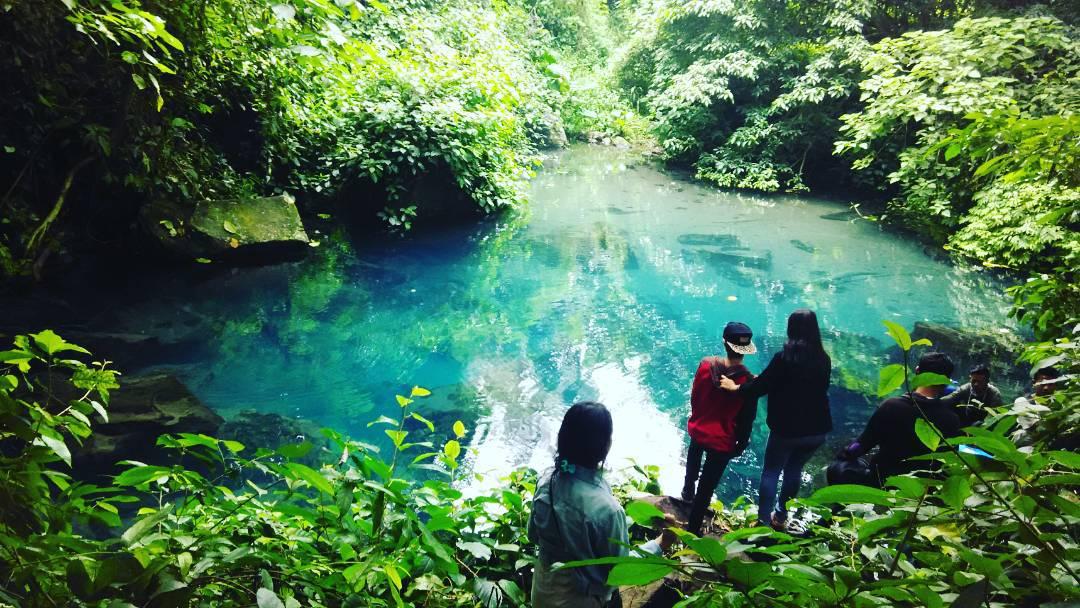 Situ Cilembang A.K.A Situ Biru Sumedang, Danau Berwarna Biru Dari Sumedang! Untuk Para Petualang!