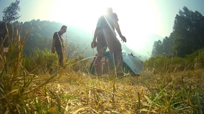 Kalian bisa menghabiskan waktu dengan kemping seru di Gunung Puntang