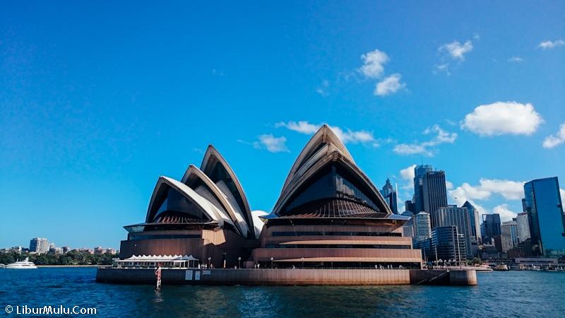 Sydney Opera House, salah satu ikon kota Sydney yang wajib kalian kunjungi