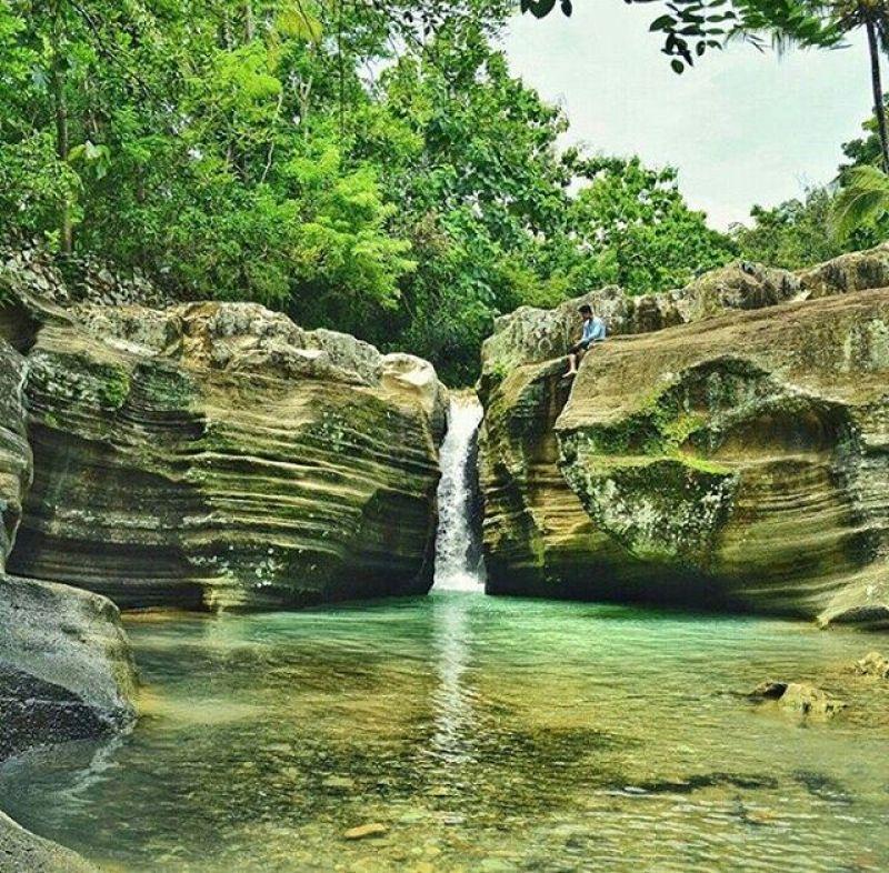 Curug Luweng Sampang, Gedhangasari, Gunung Kidul, Yogyakarta, Indonesia Photo Instagram by : @dimashutama