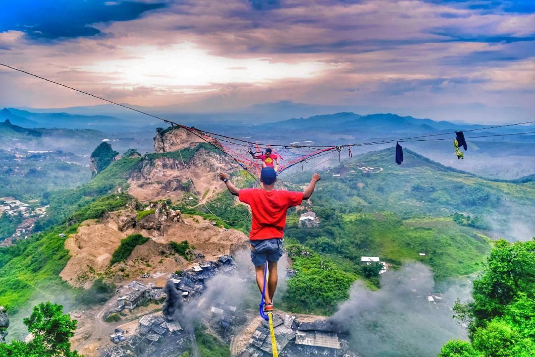 Gunung Masigit Jawa Barat by @kusdinardani