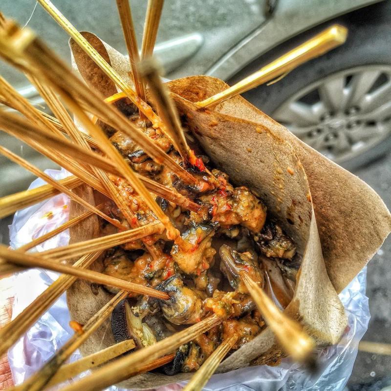 Berani cobain kuliner ekstrim Kediri Sate Bekicot ini!? by IG @guntur_ming