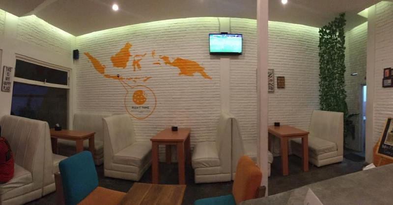 Cafe Right Time, salah satu cafe yang cozy dan murah di Malang via @righttimecafe
