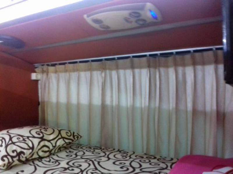 Ukuran kasur 100cmx200cm membuat bus ini nyaman untuk ditumpangi