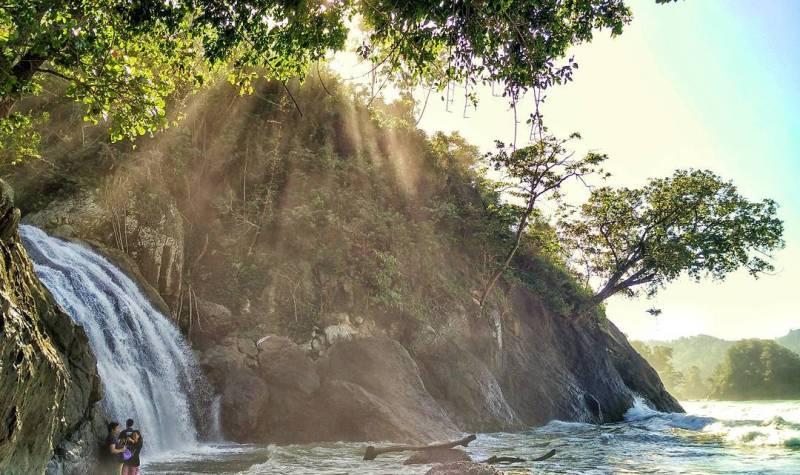 Air Terjun Banyu Anjlok, salah satu wisata air terjun di Malang yang kece badai! via IG @safri_budianto
