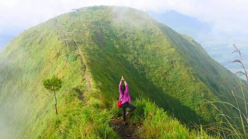Gunung Andong Magelang by IG @monikaharyanto