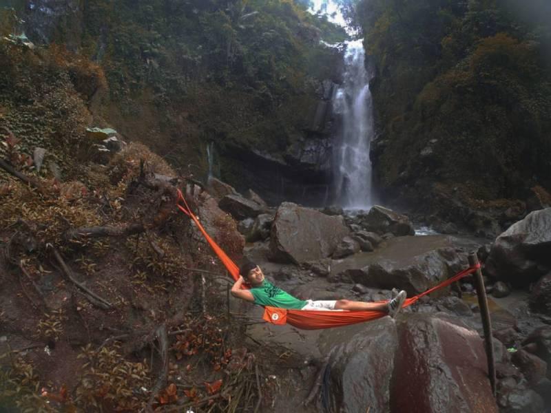 Bersantai di Air Terjun Kedung Kayang juga bisa by IG @zamzambie