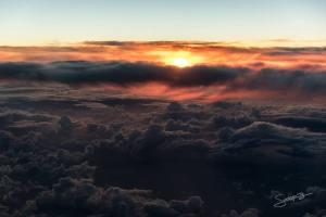 Seperti halnya sunset, sunrise diatas samudera atlantik nggak kalah mengagumkan!