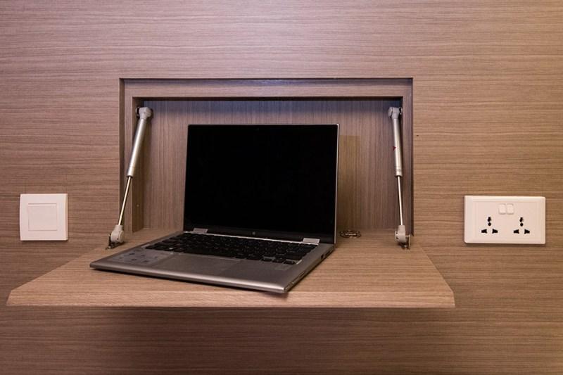 Tempat menaruh laptop ini penting untuk traveler yang pergi ke singapura untuk berbisnis