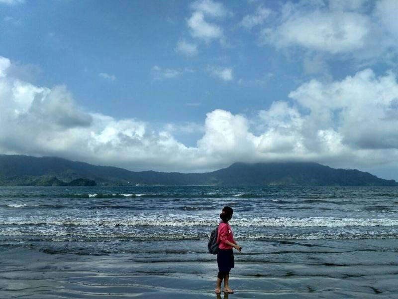 Pantai Klatak, salah satu pantai keren di pesisir selatan Tulungagung by @meisyarohcaturwulandari
