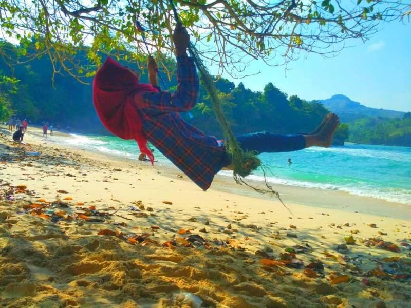 Pantai Sawahan Ombo Tulungagung by @mifta.muslimah