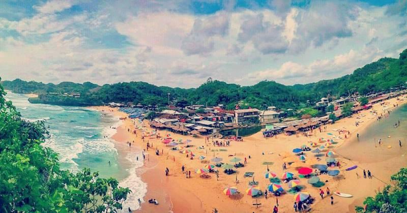 Pantai Drini, pantai yang bagus di jogja untuk bercengkrama bersama keluarga! via @novian_yw