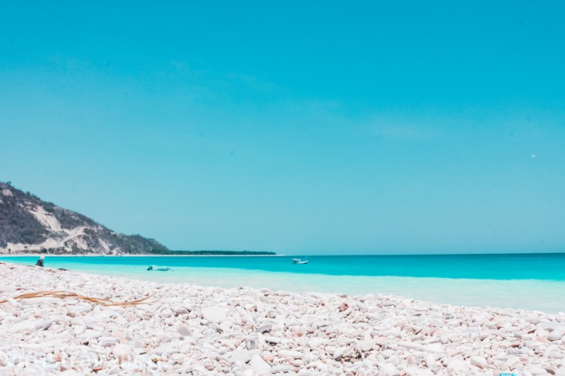 Pantai Kolbano Pantai yang Berwarna Warni di Nusa Tenggara Timur