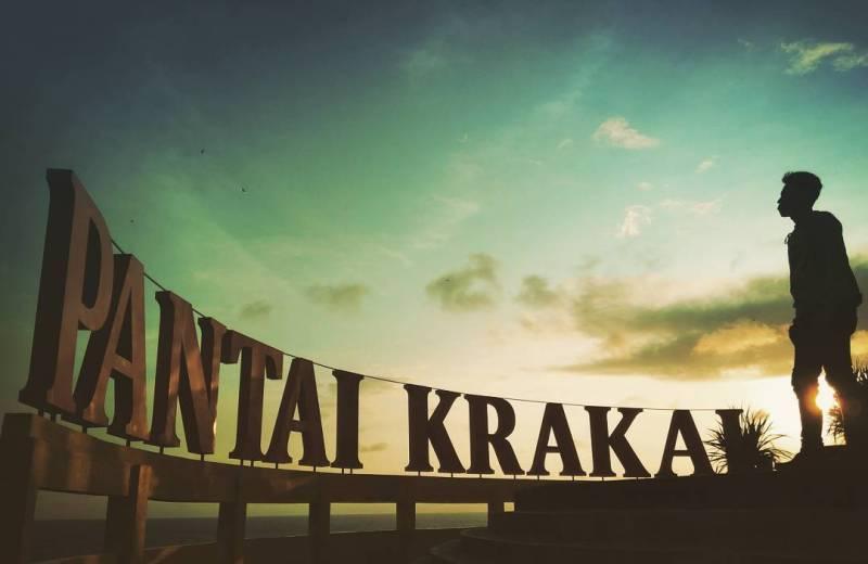Pantai Krakal, salah satu pantai yang bagus di Jogja untuk liburan kalian nantinya! @lieurpride