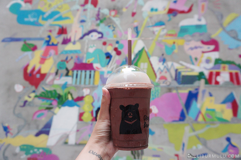 Chocolate bear flipflop Taipei