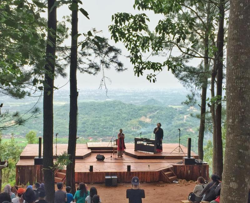 Kadang di tempat wisata Jogja yang satu ini juga terdapat pertunjukan seperti ini via @gumbikid