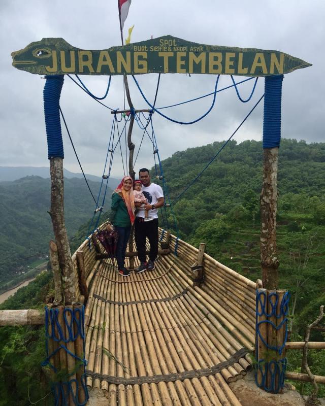 Tempat wisata selfie di Jogja ini memiliki ikon tempat selfie berupa perahu terbuat dari bambu via @mohdfaridmohdghazali