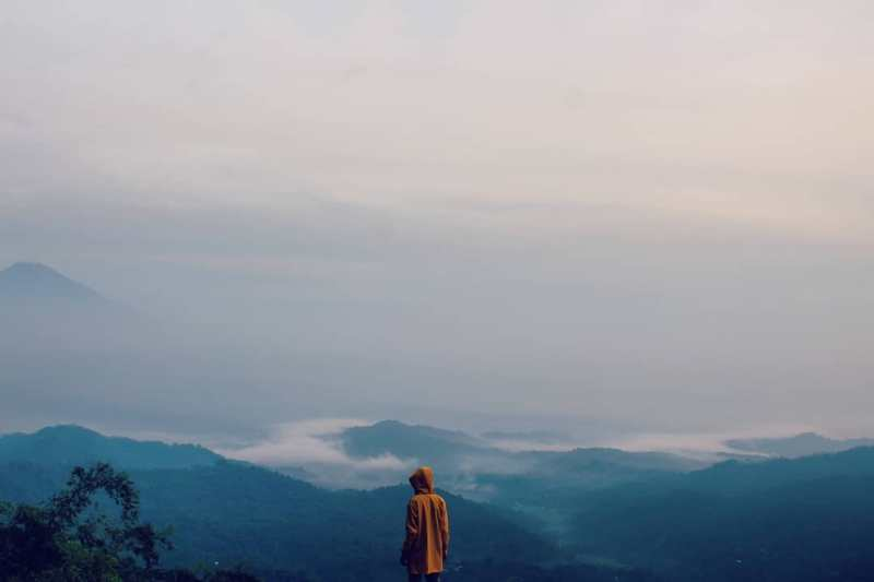 Untuk para pencinta tempat tinggi, Bukit Isis Jogja ini adalah salah satu tempat wisata di Jogja yang wajib dikunjungi via @bocilucil