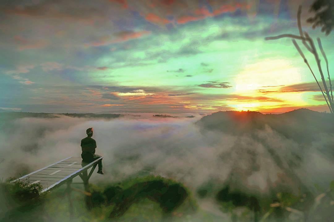 Sunrise di Tebing Watu Mabur juga oke punya loh! via @suryojdb