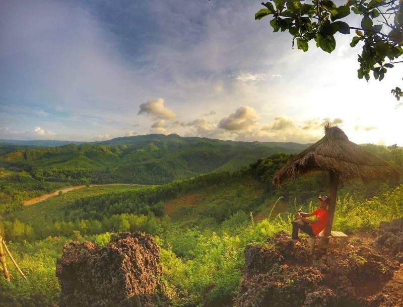 Yakin kalian nggak mau liburan ke Bukit Pangguk? via @citra_cakra
