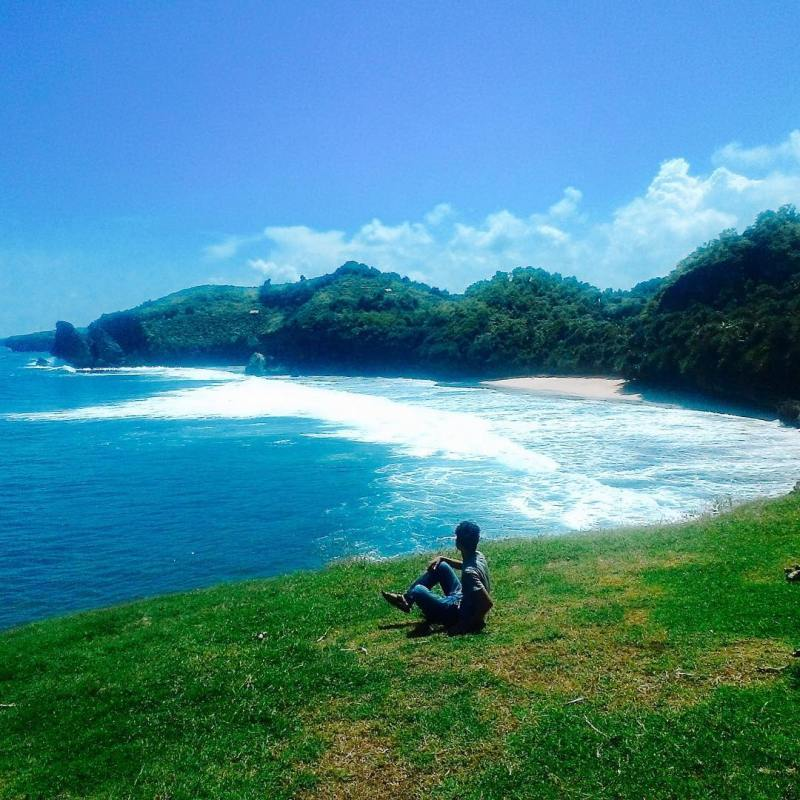 Ada banyak spot instagramable di Pantai Widodaren! Jadi kalau kesini jangan lupa bawa kamera ya! via IG @seto_jasuma