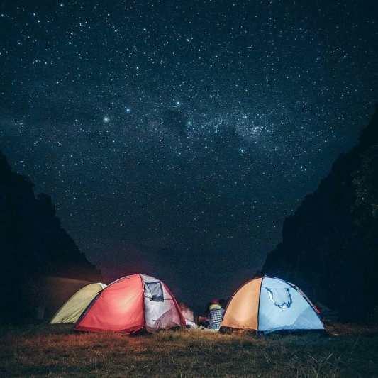 Mau camping sambil menikmati suasana syahdu malam hari, camping di Pantai Wohkudu aja! via IG @bianantafikri