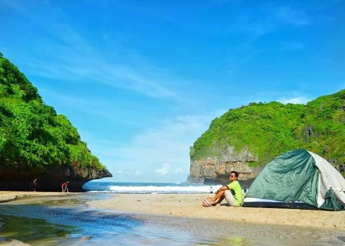 Camping di Alam Tersembunyi, Pantai Greweng! via @luxfy_azmi