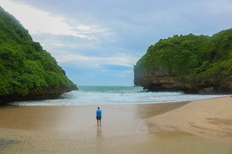 Fasilitas yang Tersedia di Pantai Greweng. @jogjakartaid