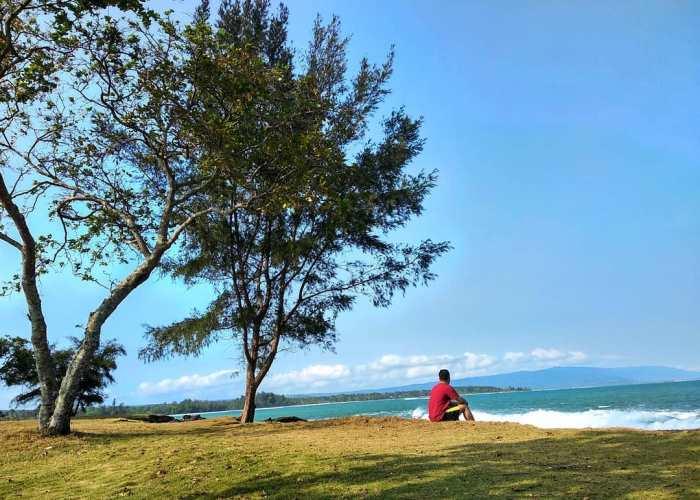 Pantai Bugel Cocok Untuk Penyuka Ketenangan! via @adisaputr