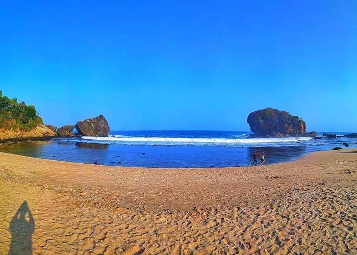 Pantai Jungwok, Pilihannya Pencinta Alam dan Kegiatan Outdoor! via @bennysurendra