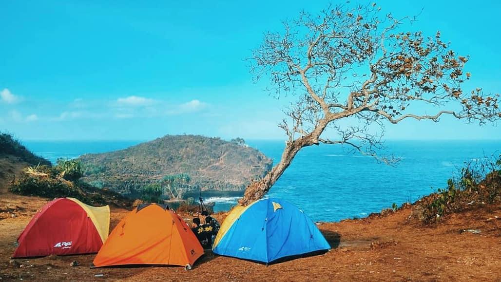 Pantai Kesirat, Daya Tarik Bagi Pecinta Alam Terbuka Gunungkidul! via @febrinaharani